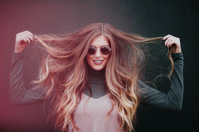 Spray démêlant cheveux (recette express)